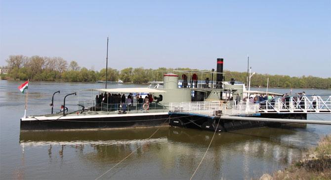 Szombat estig még megtekinthető a Lajta Monitor Múzeumhajó