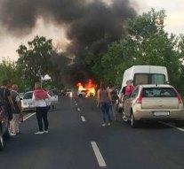 Lángokba borult egy autó a 11-esen