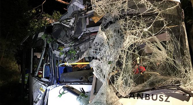 Kilencen sérültek meg a zsámbéki autóbuszbalesetben