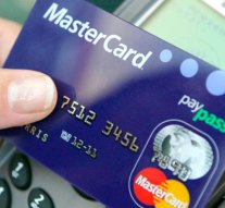 Automatában felejtett kártyáról vett le pénzt egy nő Dorogon