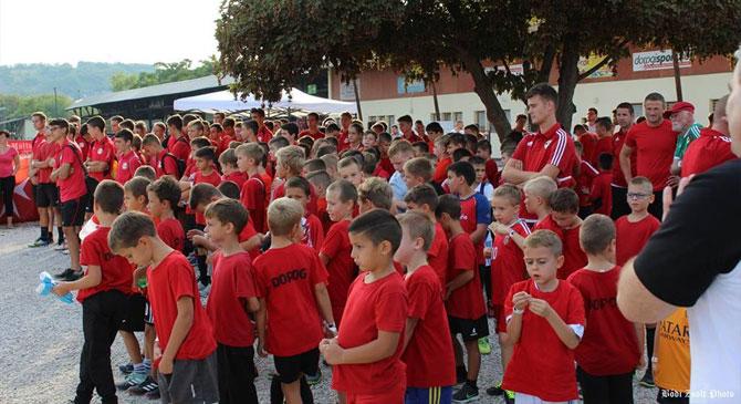 Több százan vettek részt a Futball Éjszakáján Dorogon