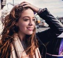 Gyönyörű dalt írt a kesztölci fogorvosnő lánya