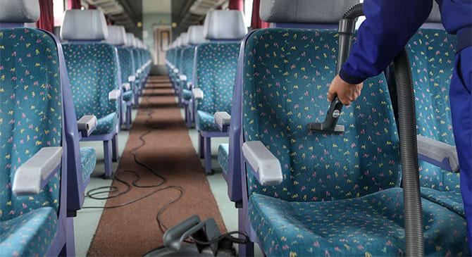Kiporszívózza a vonatokat a MÁV