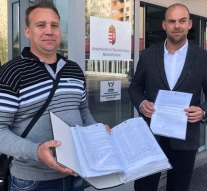 Meglepődött az államtitkár: 9822-en írták alá az M10-es útért a petíciót