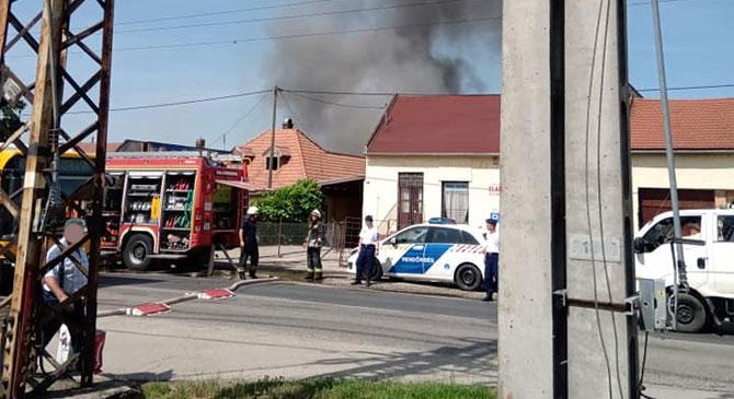 Garázs égett Esztergom-kertvárosban