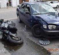 Személygépkocsi és motoros ütközött össze Esztergomban