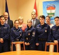 Rendőr diákok érkeztek Dorogra és Esztergomba