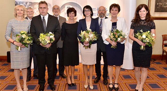 Kémiatanárokat díjazott a Richter