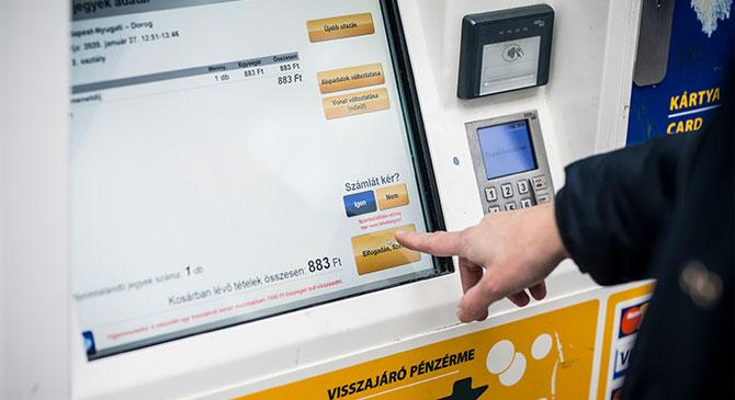 Megújulnak a jegykiadó automaták a 2-es vasútvonalon is