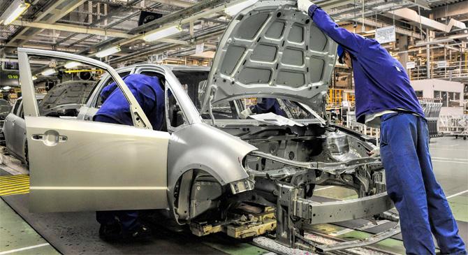 További két hétig áll az esztergomi Suzuki