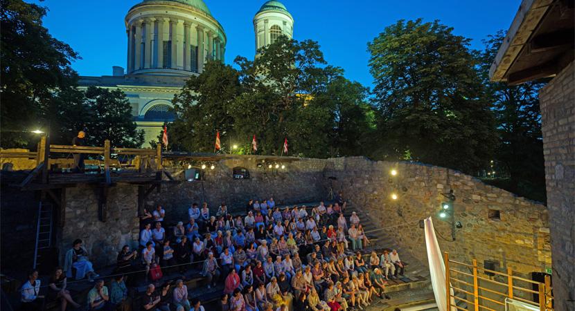 A nemzeti összetartozás évada kezdődött el az Esztergomi Várszínházban