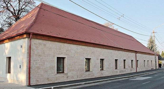 Látogatóközpont épült Lábatlanon