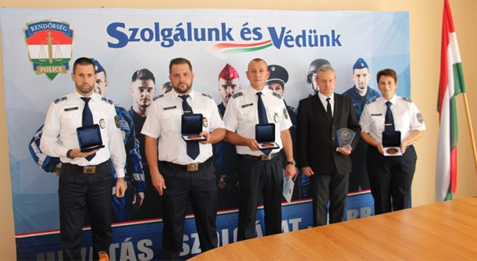 Két dorogi rendőr munkáját is elismerték
