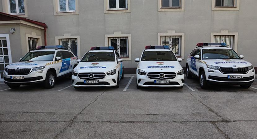 Új rendőrautókkal bővült a megyei flotta