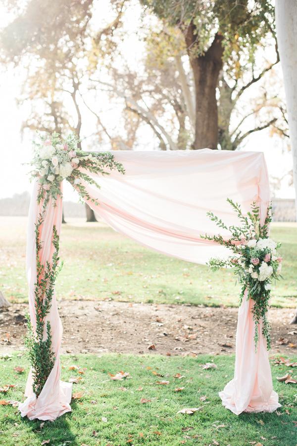ślub wiosną, ślub na wiosnę, wiosenne zaślubiny, wiosenne dekoracje na wesele, wiosenne inspiracje, wiosenne wesele, dekoracje na ślub wiosną,