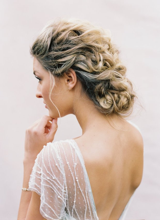 Fryzury ślubne 2020, Trendy ślubne 2020, ślub 2020, Wedding hair trends 2020, Wedding Trends 2020, Flower bouquets hair, Kwiaty do ślubu, inspiracje ślubne, ślubny lookbook, blog ślubny