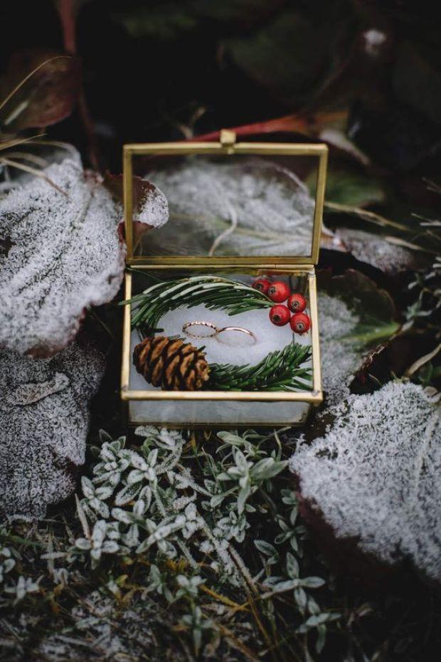 Pudełko na obrączki, Ślub zimą, Ślub w Święta, Ślub w Boże Narodzenie, Winter Wedding, Vinterbröllop, Mariage d'hiver, Winterhochzeit, Zimowy ślub, Zimowe wesele, dekoracje na Boże Narodzenie, Dekoracje na ślub zimą, Ślub w okresie zimowym