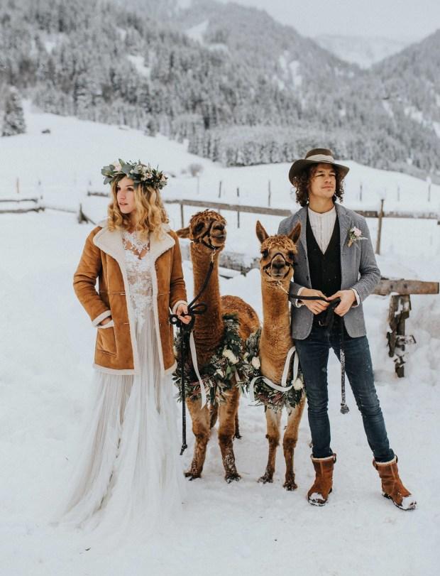 Zimowa Para Młoda, zimowa Panna Młoda, Ślub zimą, Ślub w Święta, Ślub w Boże Narodzenie, Winter Wedding, Vinterbröllop, Mariage d'hiver, Winterhochzeit, Zimowy ślub, Zimowe wesele, dekoracje na Boże Narodzenie, Dekoracje na ślub zimą, Ślub w okresie zimowym