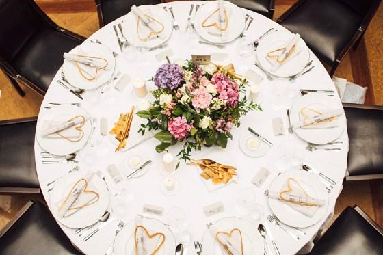 Trendy weselne 2021 2022, miejsce na wesele Kraków, dekoracja sali na wesele, najmodniejsze kolory na ślub 2021, kwiaty do ślubu, wesele w Krakowie, planowanie wesela z wedding plannerem, wedding planner w Krakowie