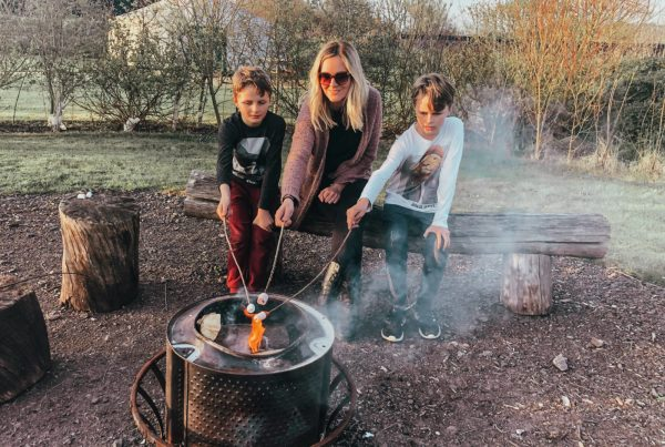 Glamping solo with three children