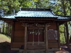 境内にある拝殿