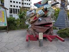 ナワテ通りのカエル
