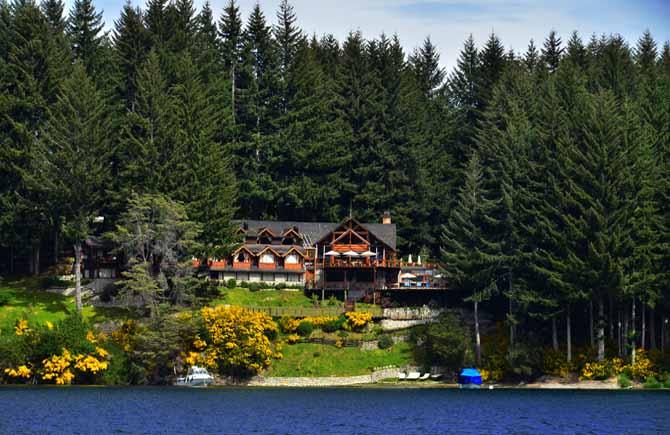 Dos Bahas Lake Resort  Hostera Patagnica  Villa La