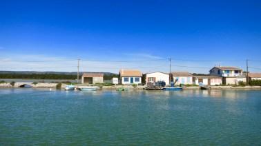 Casetas de pescadores junto al Canal.