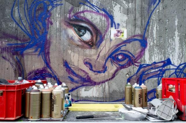 2013-05-25 X100 Graffiti Bad Vilbel Herakut Bahndamm 028