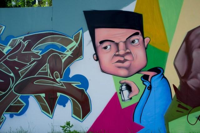 2013-06-25 X100 Graffiti Wiesbaden Kontext 003