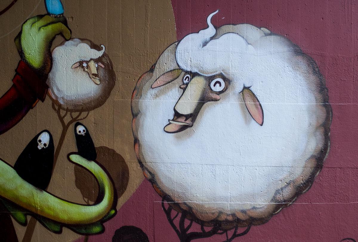 Ein Krokodil, fünf Schafe und der (kleine) Tod – Wiesbaden, Tannhäuserstraße – dosenkunst.de