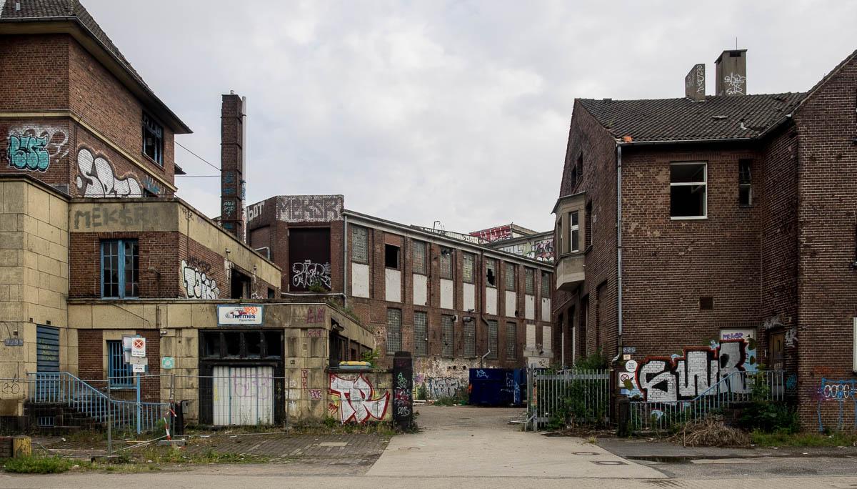 2015-06-06 EM1 Lost Places Düsseldorf Papierfabrik Hermes 416