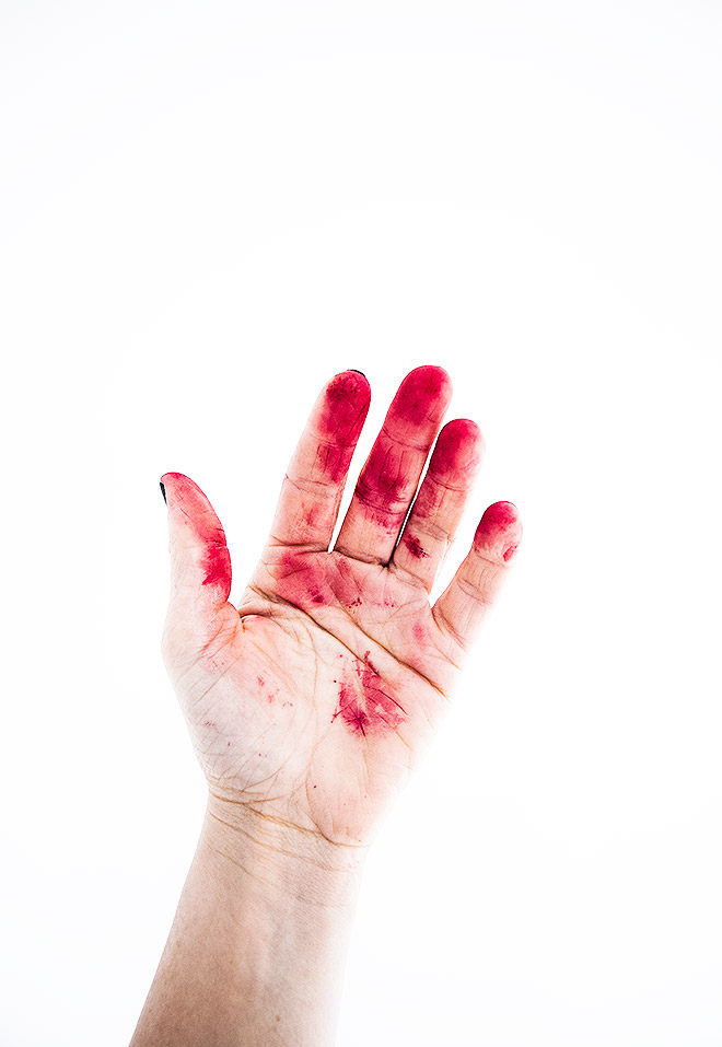 dosfamily-red-beet-hand0