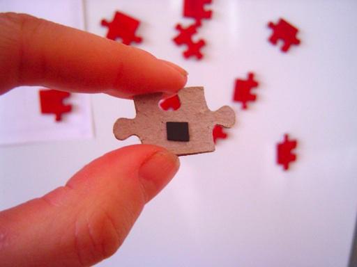 pieces_hand