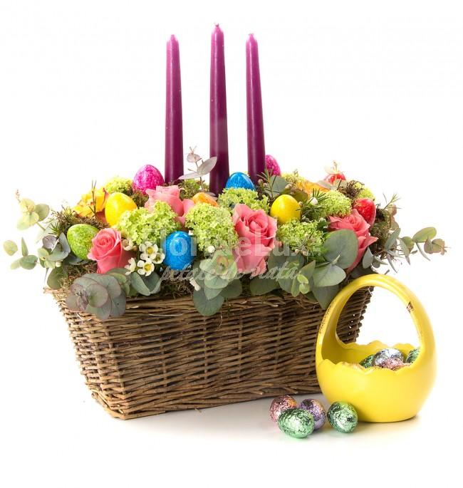 aranjament masa cu flori de paste