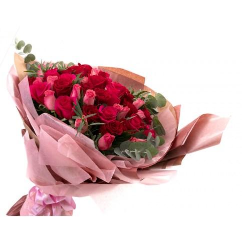 Buchet 99 trandafiri roz, doar 1099,99 RON!
