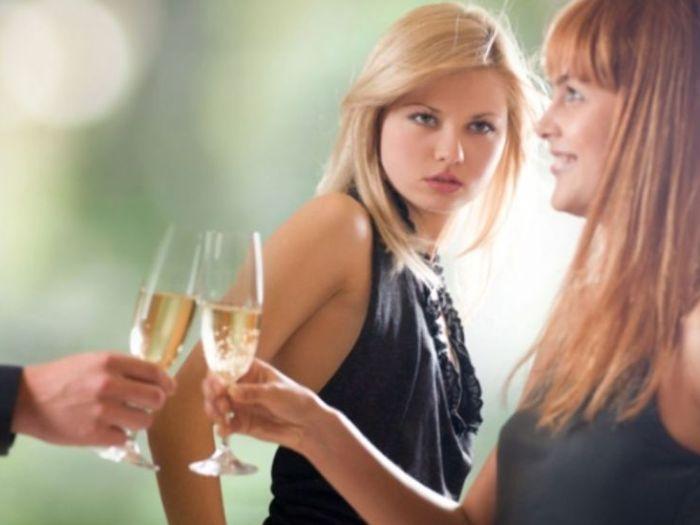 Как бороться с завистью подруги