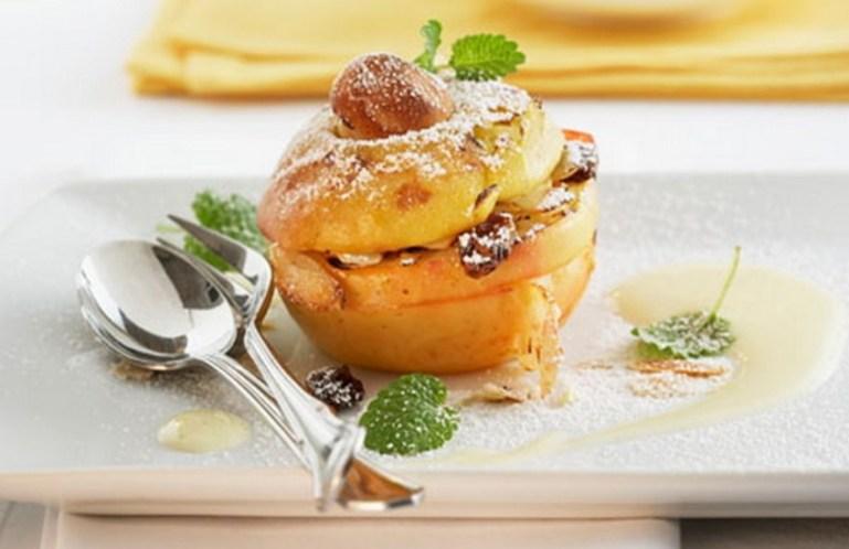 Запеченные яблоки с творогом и малиной (рецепт)