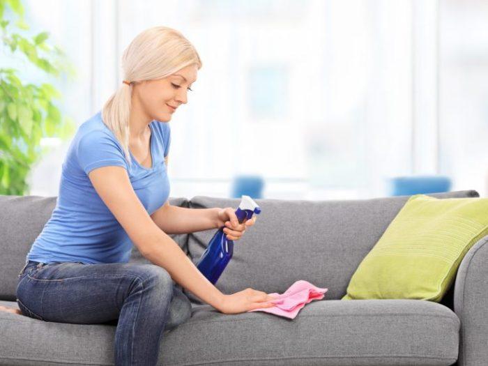 Как очистить поверхность дивана от загрязнений