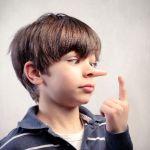 Вранье: основные сведения о поведении малыша