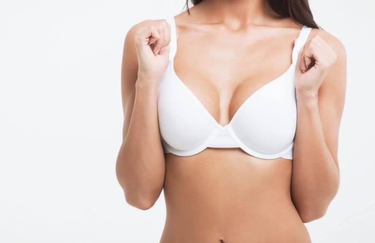 Пластика груди: уменьшение размера бюста