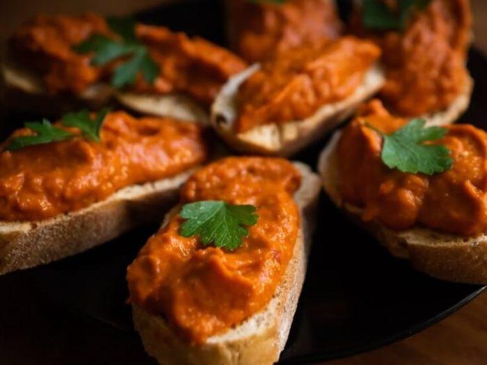 Айвар по-сербски - блюдо балканской кухни (рецепт)