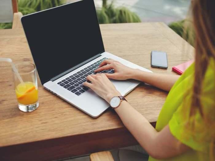 Работа без вложений: Заработок на статьях
