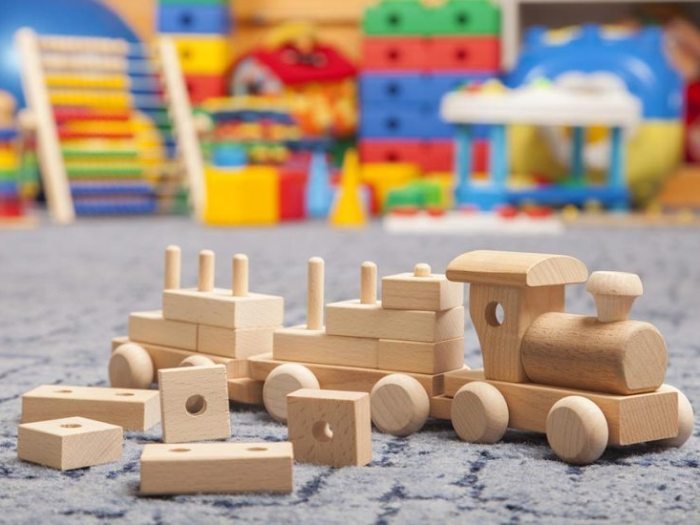 В чём преимущество развивающих деревянных игрушек?