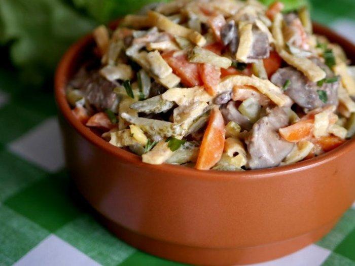 Питательный печеночный салат