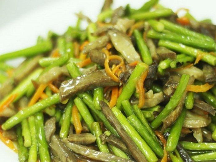 Салат по-корейски из стрелок чеснока