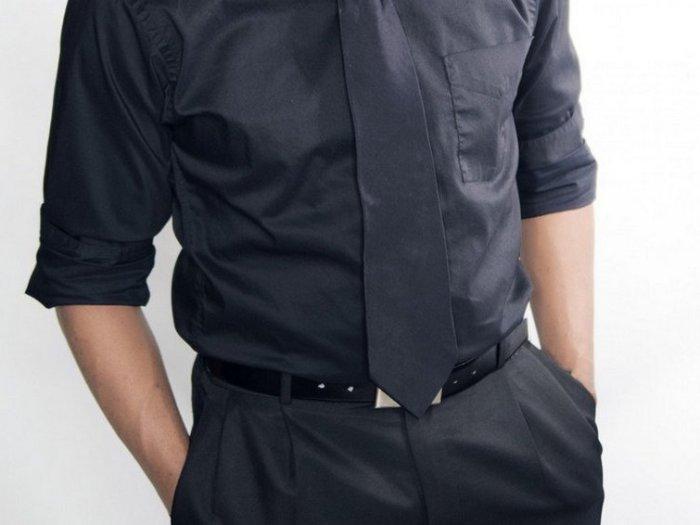 Простые советы, как стирать черную одежду, чтобы она не теряла цвет