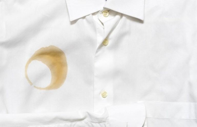 Как правильно удалить пятно на одежде?