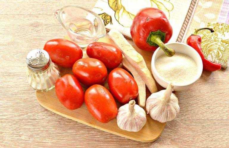 Как приготовить маринованные помидоры с перцем и хреном?