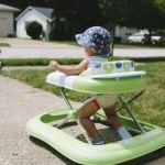 Педиатры напомнили об опасности детских ходунков